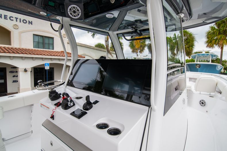 Thumbnail 15 for New 2020 Sportsman Open 352 Center Console boat for sale in West Palm Beach, FL