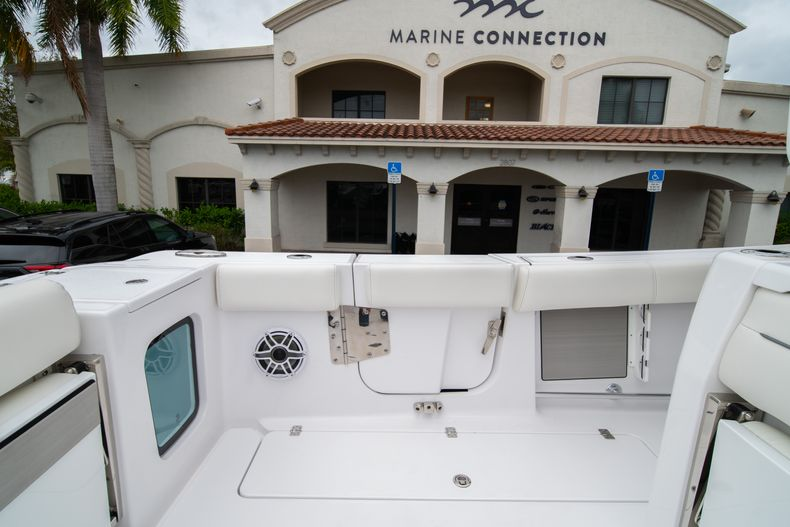 Thumbnail 11 for New 2020 Sportsman Open 352 Center Console boat for sale in West Palm Beach, FL