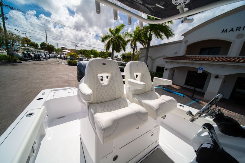 Thumbnail 30 for New 2020 Sportsman Masters 267OE Bay Boat boat for sale in West Palm Beach, FL