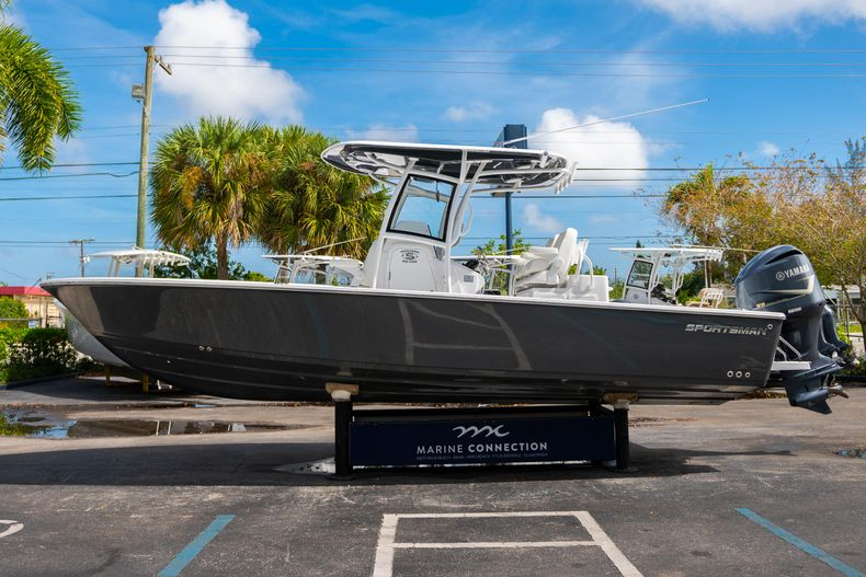 Thumbnail 4 for New 2020 Sportsman Masters 267OE Bay Boat boat for sale in West Palm Beach, FL
