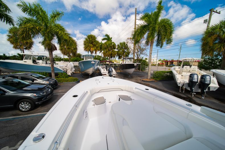 Thumbnail 34 for New 2020 Sportsman Masters 267OE Bay Boat boat for sale in West Palm Beach, FL