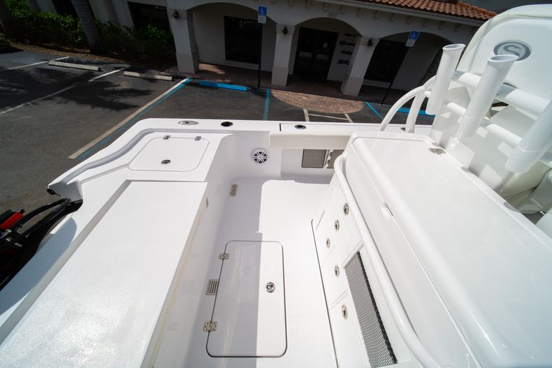 Thumbnail 16 for New 2020 Sportsman Masters 267OE Bay Boat boat for sale in West Palm Beach, FL