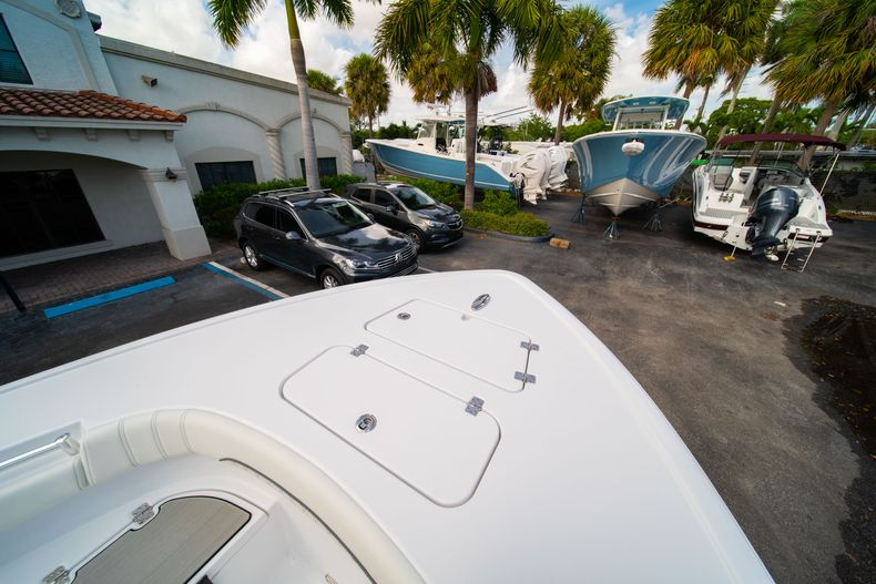 Thumbnail 37 for New 2020 Sportsman Masters 267OE Bay Boat boat for sale in West Palm Beach, FL
