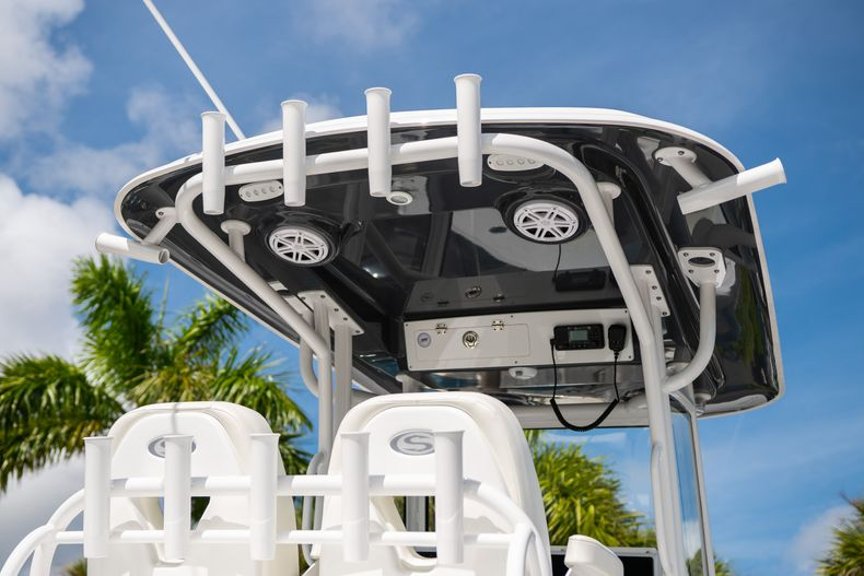 Thumbnail 8 for New 2020 Sportsman Masters 267OE Bay Boat boat for sale in West Palm Beach, FL