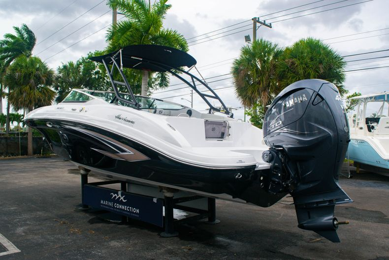 Thumbnail 5 for New 2020 Hurricane SD 2690 OB boat for sale in West Palm Beach, FL