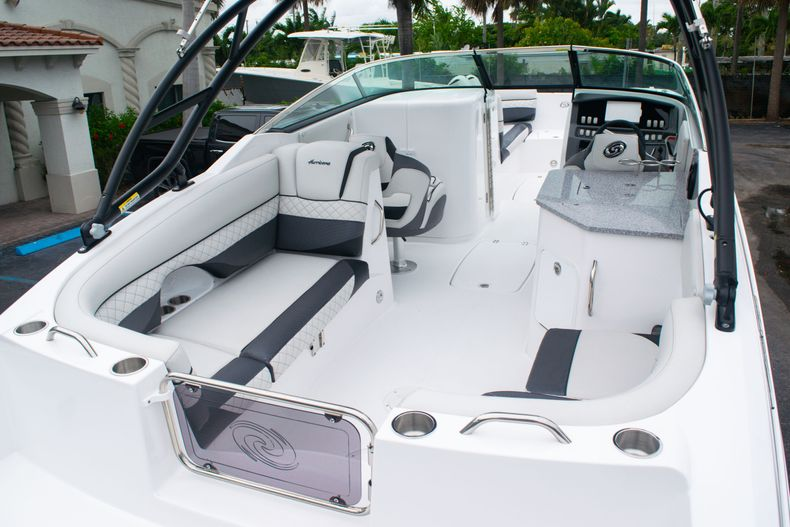 Thumbnail 12 for New 2020 Hurricane SD 2690 OB boat for sale in West Palm Beach, FL