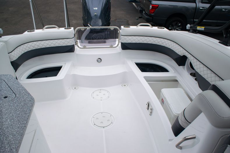 Thumbnail 15 for New 2020 Hurricane SD 2690 OB boat for sale in West Palm Beach, FL