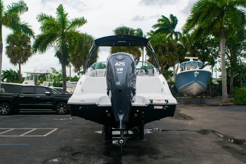 Thumbnail 6 for New 2020 Hurricane SD 2690 OB boat for sale in West Palm Beach, FL