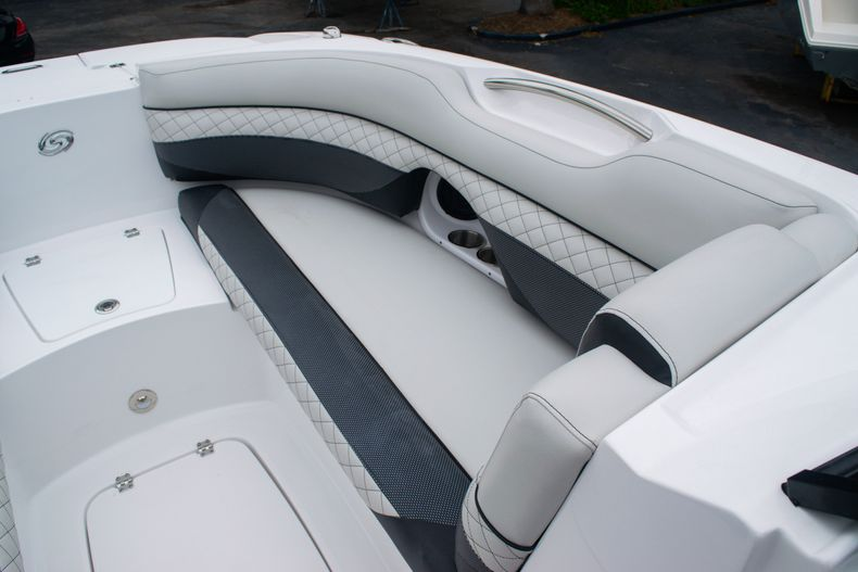 Thumbnail 36 for New 2020 Hurricane SD 2690 OB boat for sale in West Palm Beach, FL