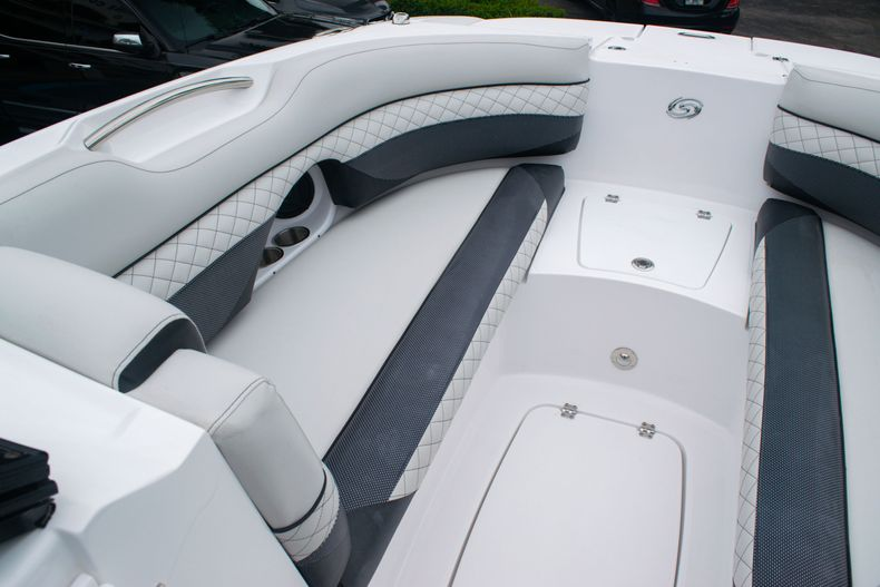 Thumbnail 37 for New 2020 Hurricane SD 2690 OB boat for sale in West Palm Beach, FL