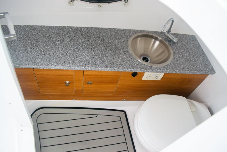 Thumbnail 33 for New 2020 Hurricane SD 2690 OB boat for sale in West Palm Beach, FL