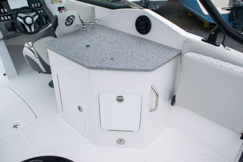 Thumbnail 19 for New 2020 Hurricane SD 2690 OB boat for sale in West Palm Beach, FL