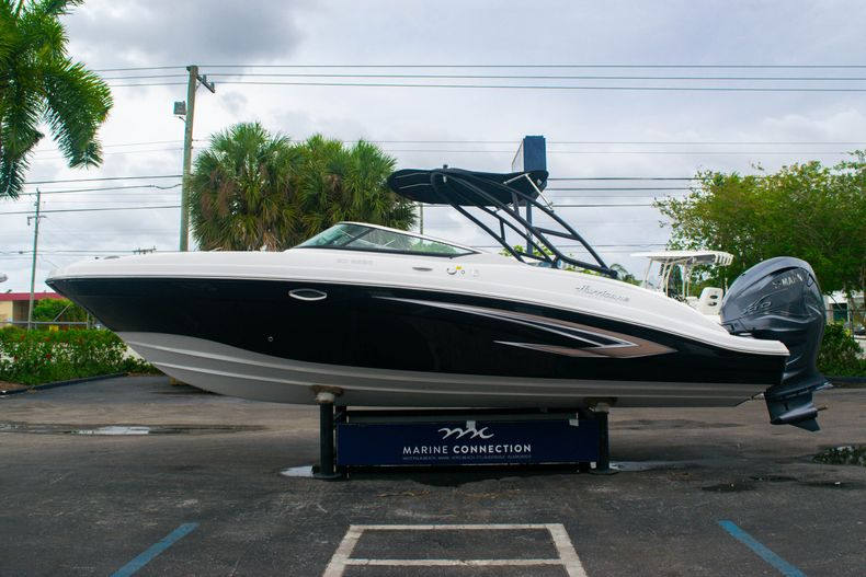 Thumbnail 4 for New 2020 Hurricane SD 2690 OB boat for sale in West Palm Beach, FL