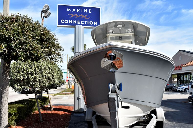 Thumbnail 2 for New 2020 Cobia 240 CC Center Console boat for sale in Vero Beach, FL