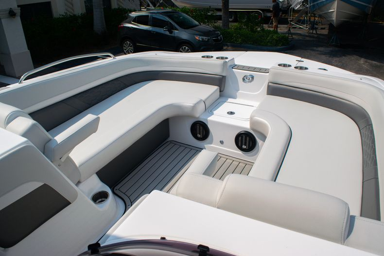 Thumbnail 27 for New 2020 Hurricane SS 218 OB boat for sale in West Palm Beach, FL