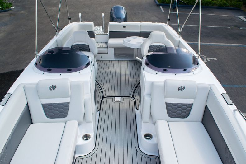 Thumbnail 33 for New 2020 Hurricane SS 218 OB boat for sale in West Palm Beach, FL