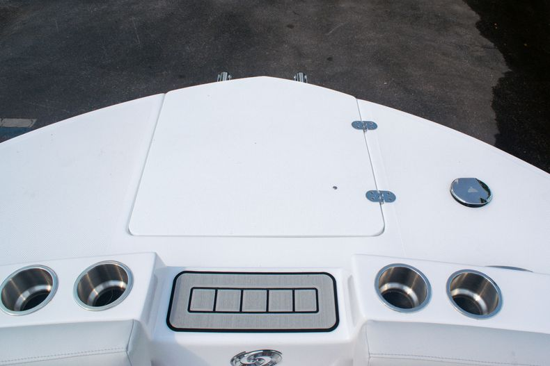 Thumbnail 31 for New 2020 Hurricane SS 218 OB boat for sale in West Palm Beach, FL