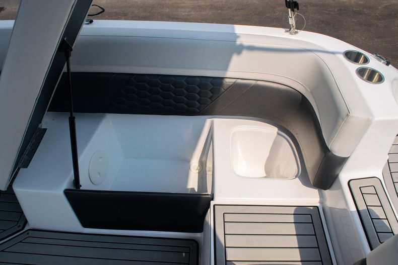 Thumbnail 18 for New 2020 Hurricane SS 218 OB boat for sale in West Palm Beach, FL