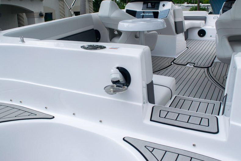Thumbnail 9 for New 2020 Hurricane SS 218 OB boat for sale in West Palm Beach, FL