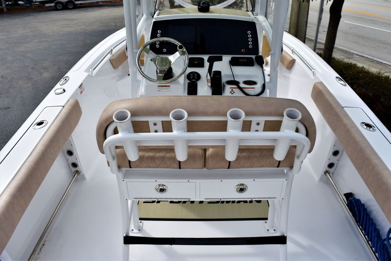 Thumbnail 8 for Used 2019 Sportsman Open 212 Center Console boat for sale in Vero Beach, FL