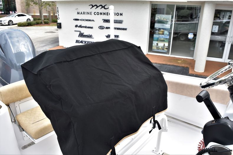 Thumbnail 27 for Used 2019 Sportsman Open 212 Center Console boat for sale in Vero Beach, FL