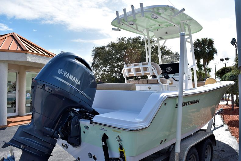 Thumbnail 5 for Used 2019 Sportsman Open 212 Center Console boat for sale in Vero Beach, FL