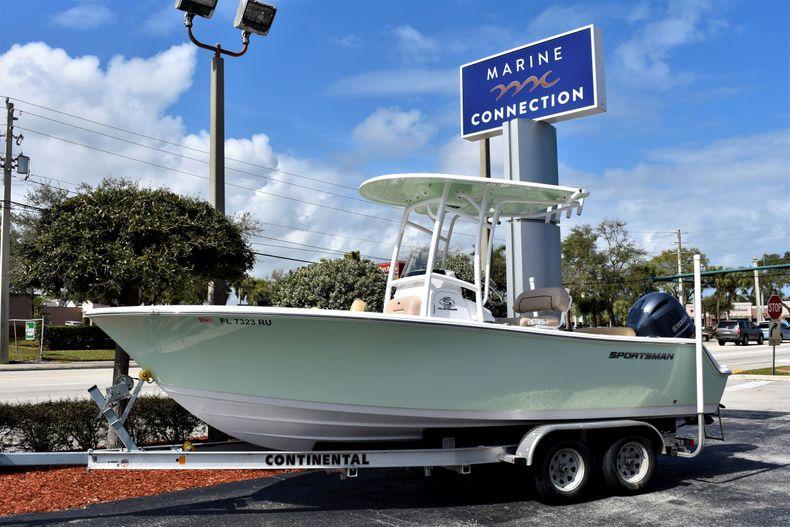 Used 2019 Sportsman Open 212 Center Console boat for sale in Vero Beach, FL