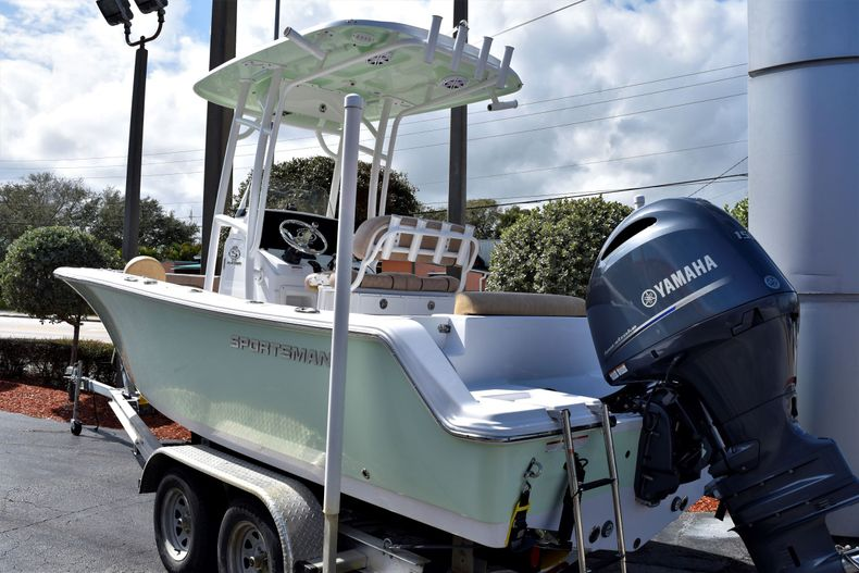Thumbnail 3 for Used 2019 Sportsman Open 212 Center Console boat for sale in Vero Beach, FL