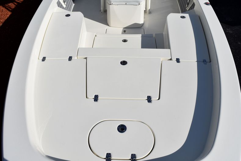 Thumbnail 18 for New 2020 Pathfinder 2600 HPS Bay Boat boat for sale in Vero Beach, FL