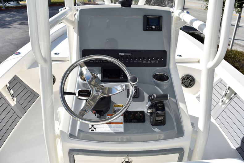 Thumbnail 12 for New 2020 Pathfinder 2600 HPS Bay Boat boat for sale in Vero Beach, FL
