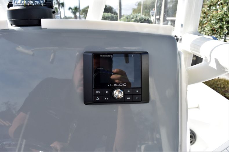 Thumbnail 32 for New 2020 Pathfinder 2600 HPS Bay Boat boat for sale in Vero Beach, FL