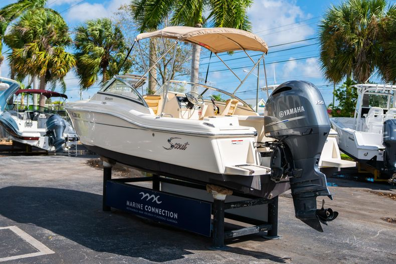 Thumbnail 5 for Used 2019 Scout 210 Dorado boat for sale in West Palm Beach, FL