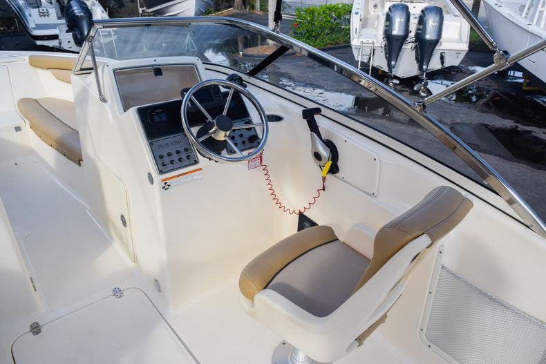 Thumbnail 16 for Used 2019 Scout 210 Dorado boat for sale in West Palm Beach, FL