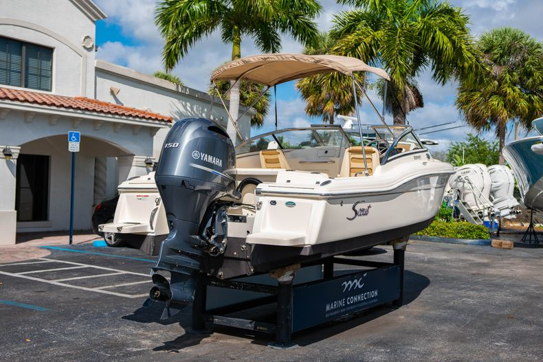 Thumbnail 7 for Used 2019 Scout 210 Dorado boat for sale in West Palm Beach, FL