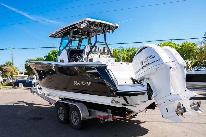 Thumbnail 3 for New 2020 Blackfin 272CC boat for sale in Fort Lauderdale, FL