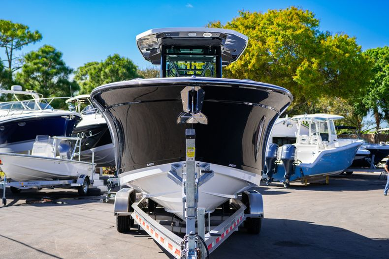 Thumbnail 1 for New 2020 Blackfin 272CC boat for sale in Fort Lauderdale, FL