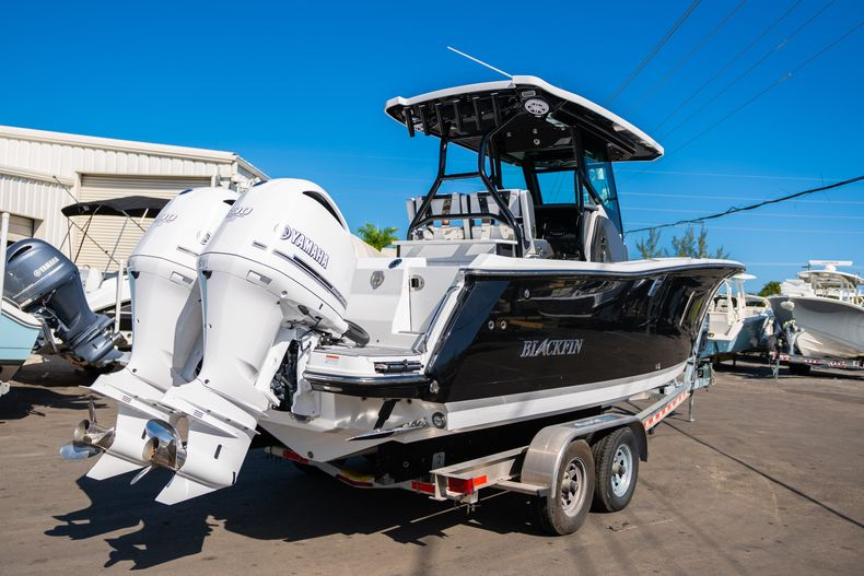 Thumbnail 5 for New 2020 Blackfin 272CC boat for sale in Fort Lauderdale, FL