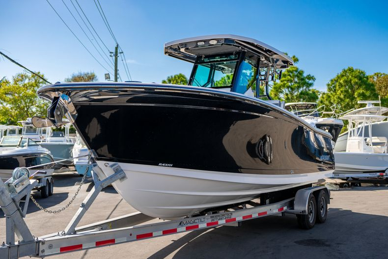 Thumbnail 2 for New 2020 Blackfin 272CC boat for sale in Fort Lauderdale, FL