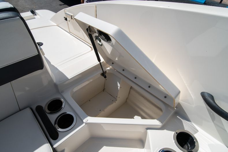 Thumbnail 32 for Used 2015 Sea Ray 21 SPX boat for sale in West Palm Beach, FL