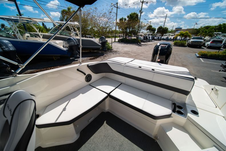 Thumbnail 23 for Used 2015 Sea Ray 21 SPX boat for sale in West Palm Beach, FL