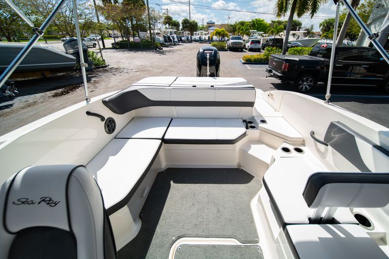 Thumbnail 20 for Used 2015 Sea Ray 21 SPX boat for sale in West Palm Beach, FL