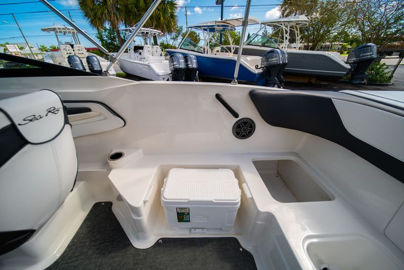 Thumbnail 25 for Used 2015 Sea Ray 21 SPX boat for sale in West Palm Beach, FL