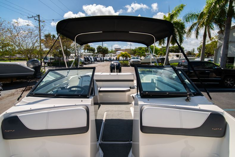 Thumbnail 51 for Used 2015 Sea Ray 21 SPX boat for sale in West Palm Beach, FL