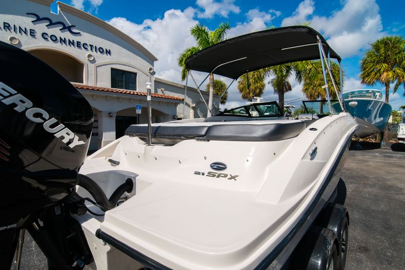 Thumbnail 12 for Used 2015 Sea Ray 21 SPX boat for sale in West Palm Beach, FL