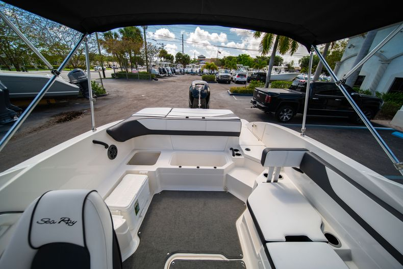 Thumbnail 21 for Used 2015 Sea Ray 21 SPX boat for sale in West Palm Beach, FL