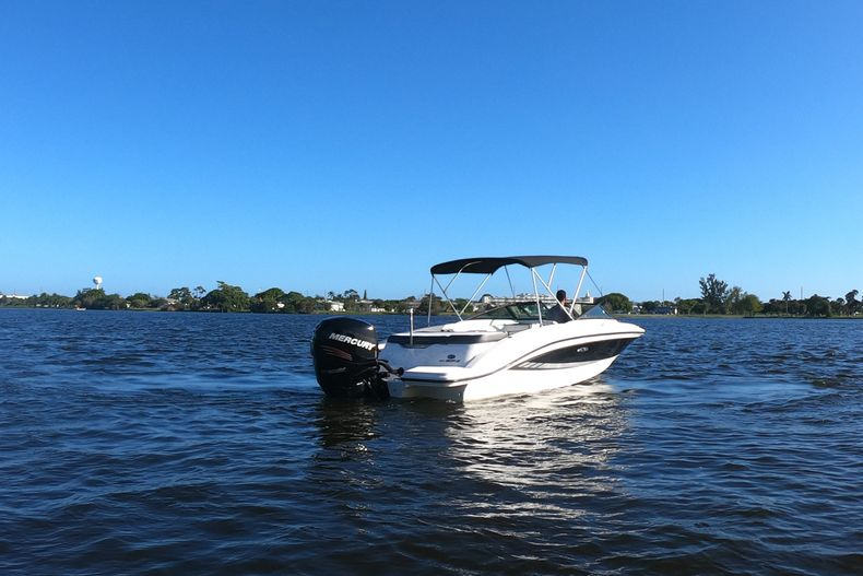 Thumbnail 55 for Used 2015 Sea Ray 21 SPX boat for sale in West Palm Beach, FL