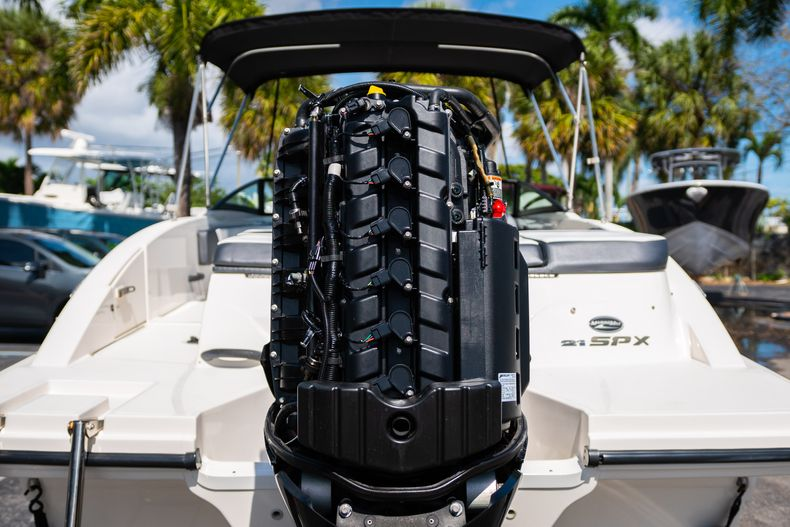 Thumbnail 14 for Used 2015 Sea Ray 21 SPX boat for sale in West Palm Beach, FL
