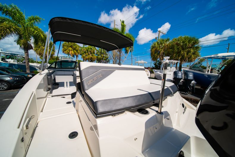 Thumbnail 9 for Used 2015 Sea Ray 21 SPX boat for sale in West Palm Beach, FL