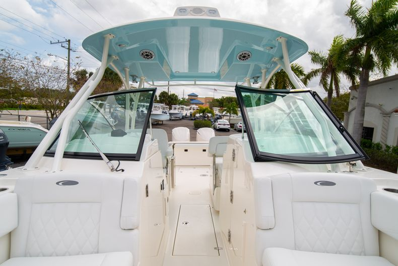 Thumbnail 49 for New 2020 Cobia 280 DC Dual Console boat for sale in West Palm Beach, FL