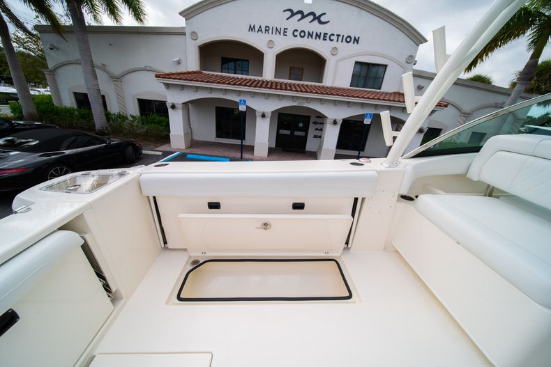 Thumbnail 20 for New 2020 Cobia 280 DC Dual Console boat for sale in West Palm Beach, FL